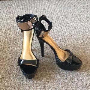 Shoes - Very cute black platform high heels sandals